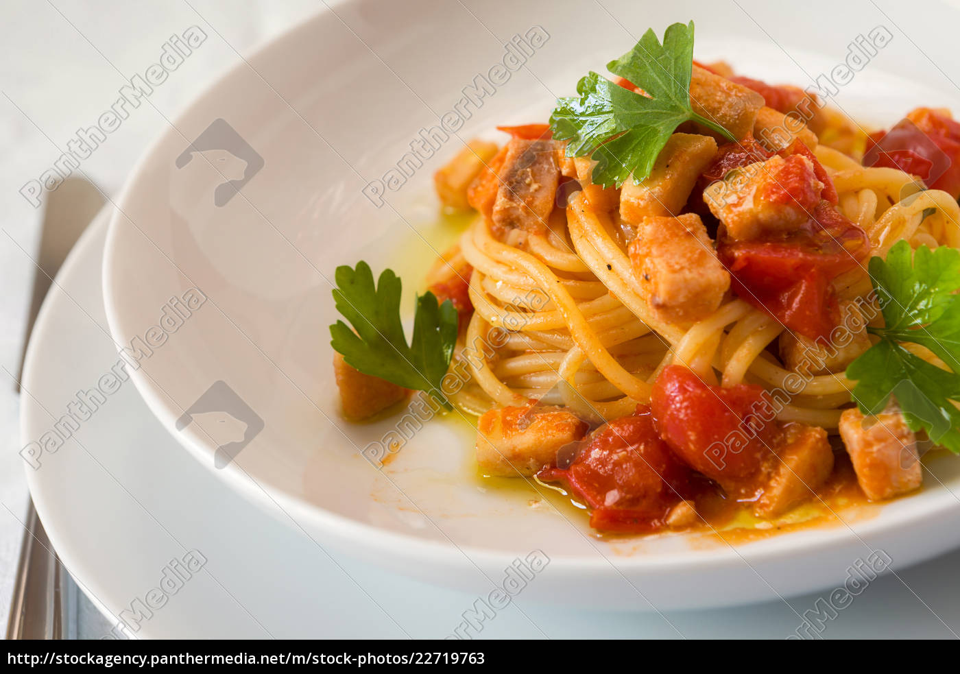 spaghetti, with, fish, and, little, tomatoes - 22719763