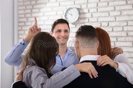 businessman, got, an, idea, with, team - 22721305