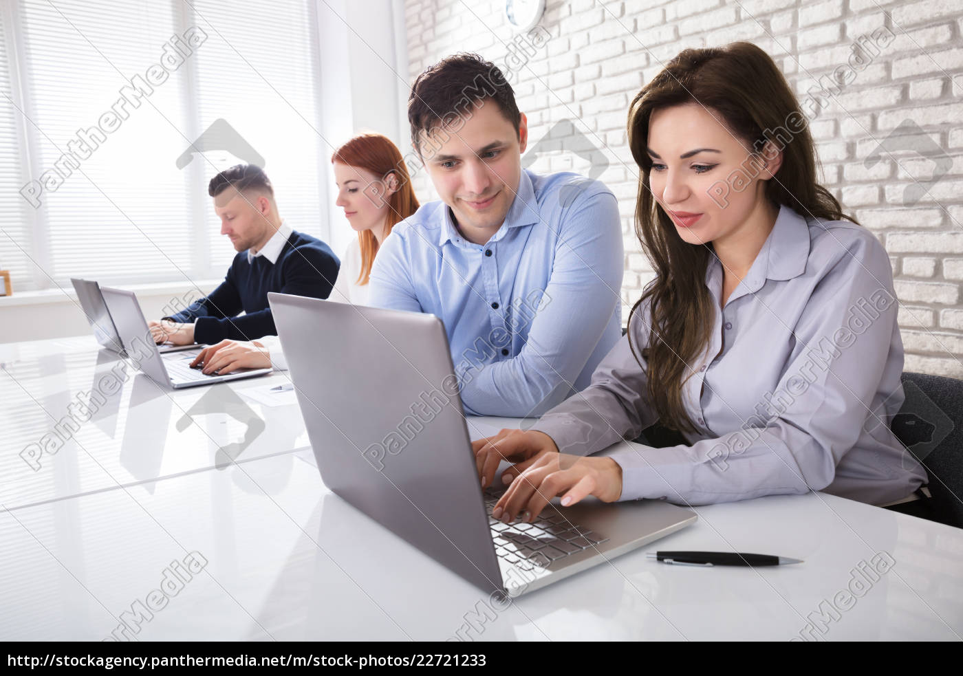 businessman, working, with, colleagues - 22721233