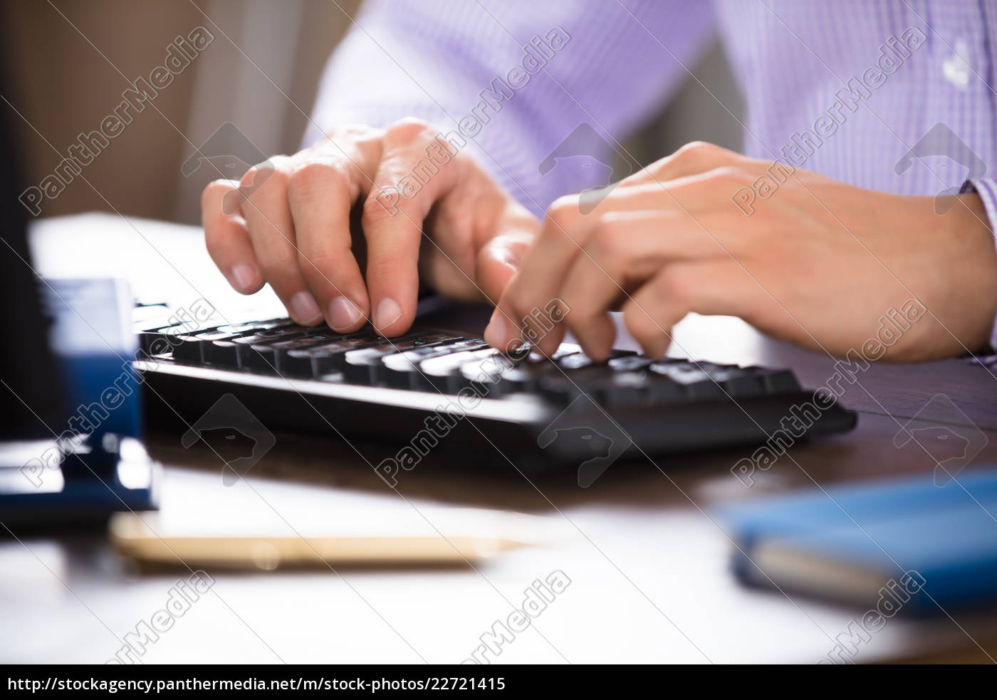 businessperson, typing, on, computer, keyboard - 22721415