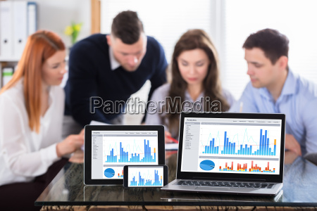 graph, display, on, modern, electronic, devices - 22721303