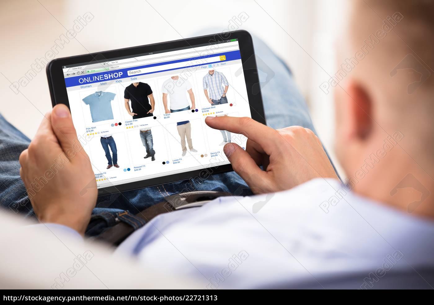 man, doing, online, shopping - 22721313