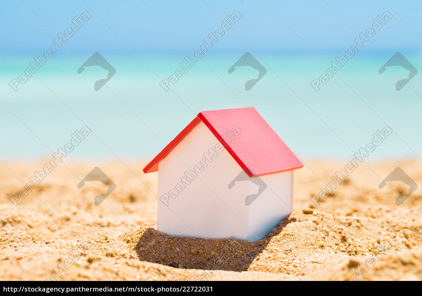 house, model, on, beach - 22722031