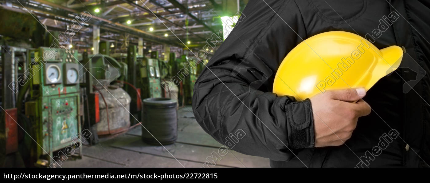 worker, with, safety, helmet - 22722815