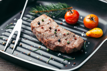 delicious, grilled, steak, with, seasoning, on - 22727507