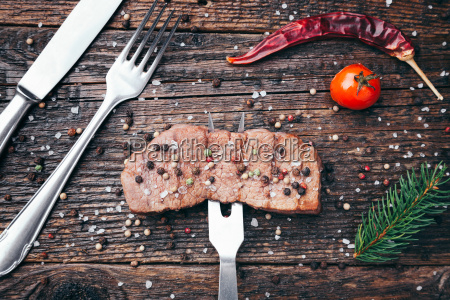 delicious, grilled, steak, with, seasoning, on - 22727523