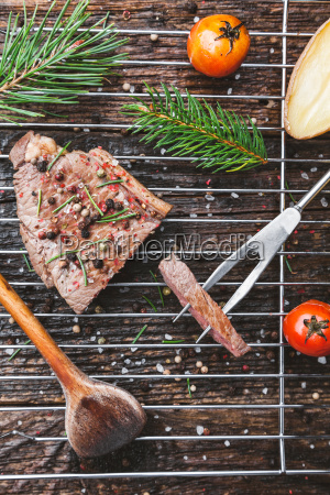 delicious, grilled, steak, with, seasoning, on - 22727565