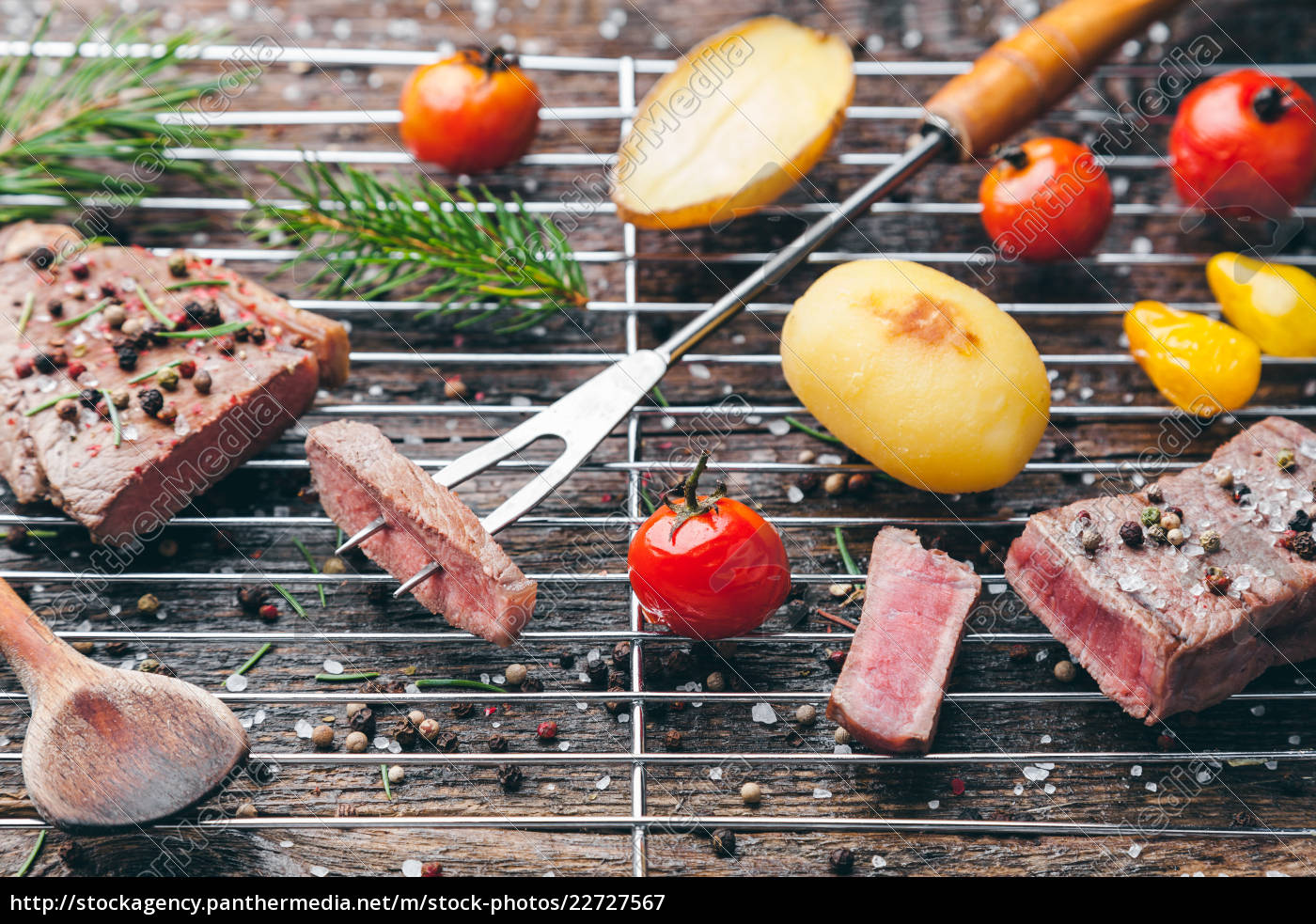 delicious, grilled, steak, with, seasoning, on - 22727567