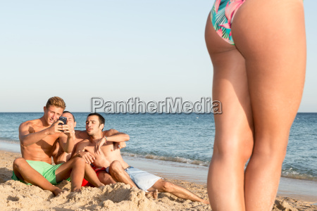 boys, checking, girl, legs - 22754863