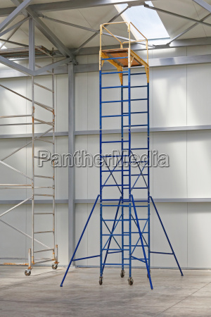 movable scaffolding