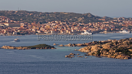 view from palau to la maddelena