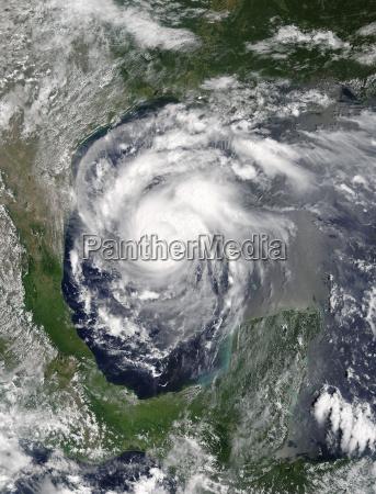 peligro espacio nube tormenta tormentoso satelite