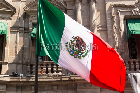 mexican flag in puebla