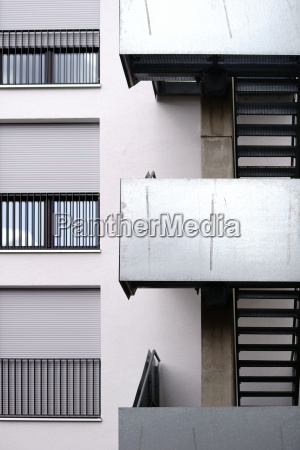 outdoor staircase residential building