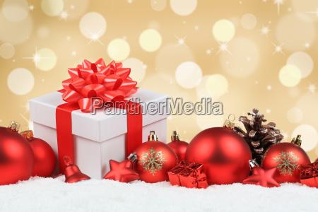 weihnachten geschenke weihnachtsgeschenke gold dekoration schnee