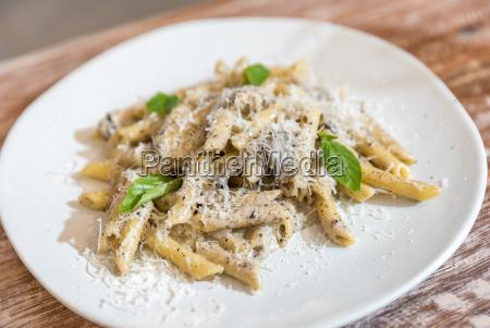 penne carbonara pasta