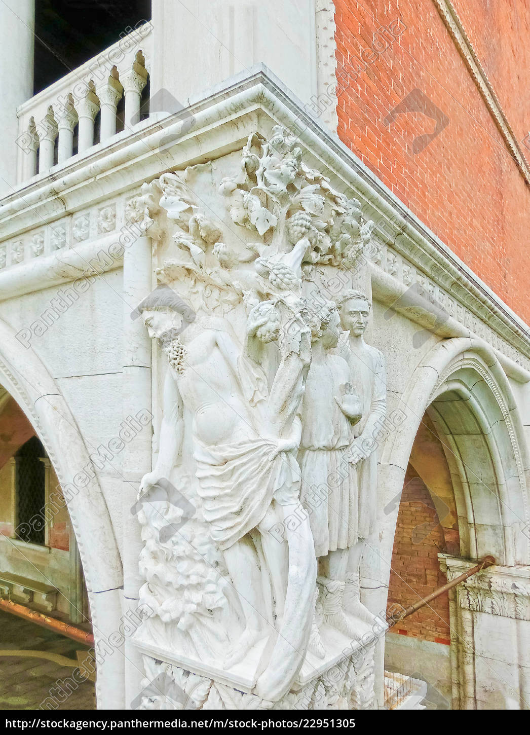 corner, statue, of, the, historical, doge's - 22951305
