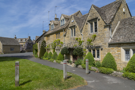 cottages in lower slaughter cotswolds gloucestershire