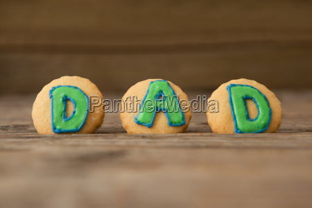 cookies with text dad on arranged