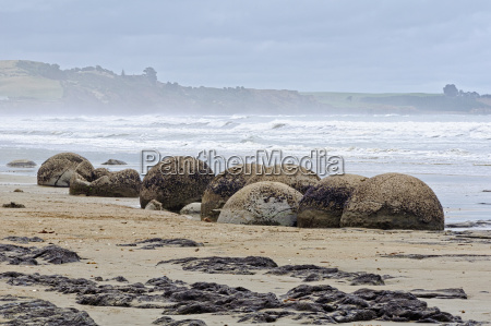 moeraki boulders 1 moeraki