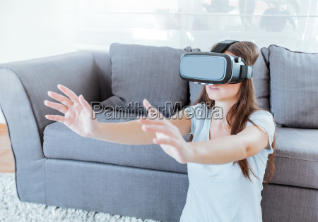 virtual reality device woman home