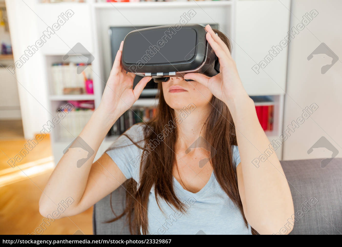 virtual, reality, device, woman, home - 23329867