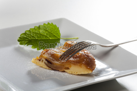 tarte tatin on a plate