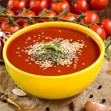 fresh tomatoes soup
