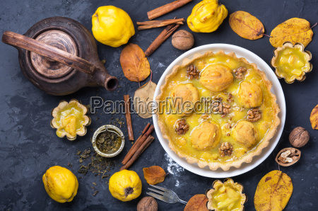 home pie with quince