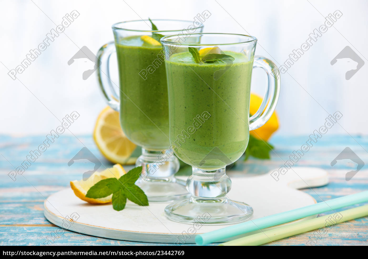 spinach, smoothie, , with, mint. - 23442769