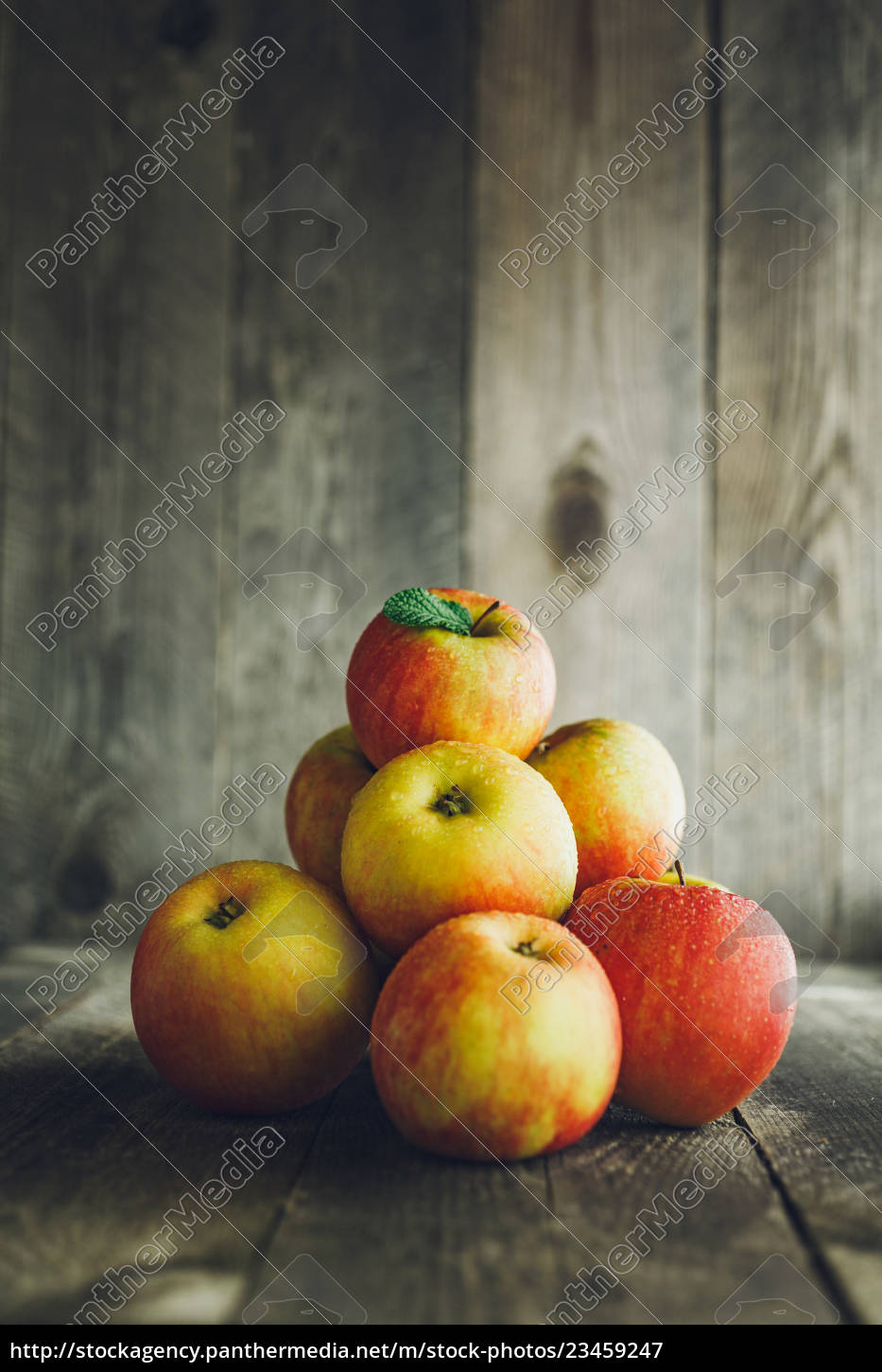 apples, on, wooden, background - 23459247