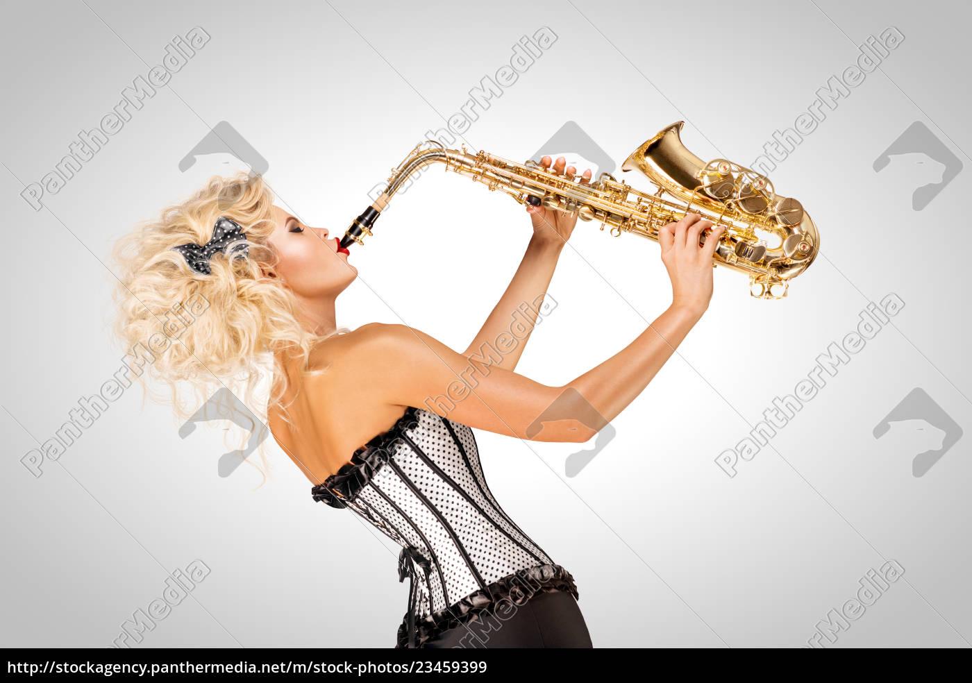 playing, jazz. - 23459399