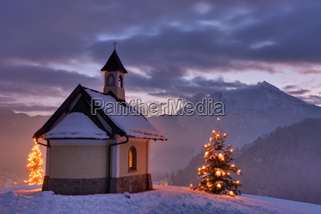 chapel in christmas mood