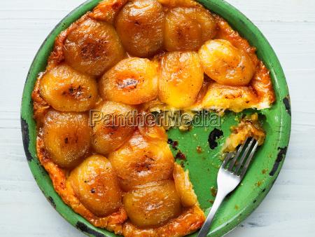 rustic golden apple tarte tatin
