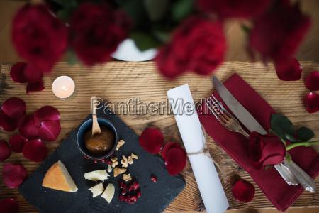 romantyczny roz roze dzien matki walentynka