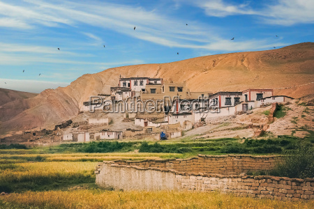 traditional tibetan homes