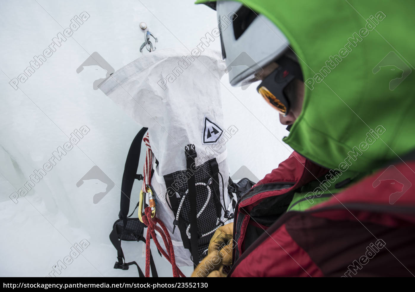 climber, preparing, before, ice, climbing, in - 23552130