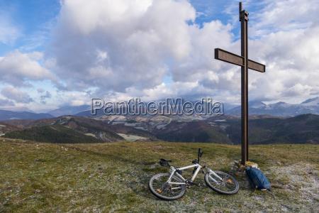 italy umbria gubbio mountainbike on the