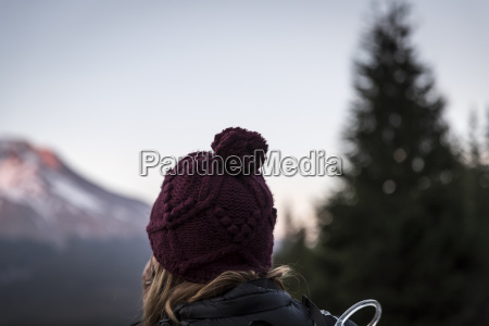 woman watching sunset on mt hood