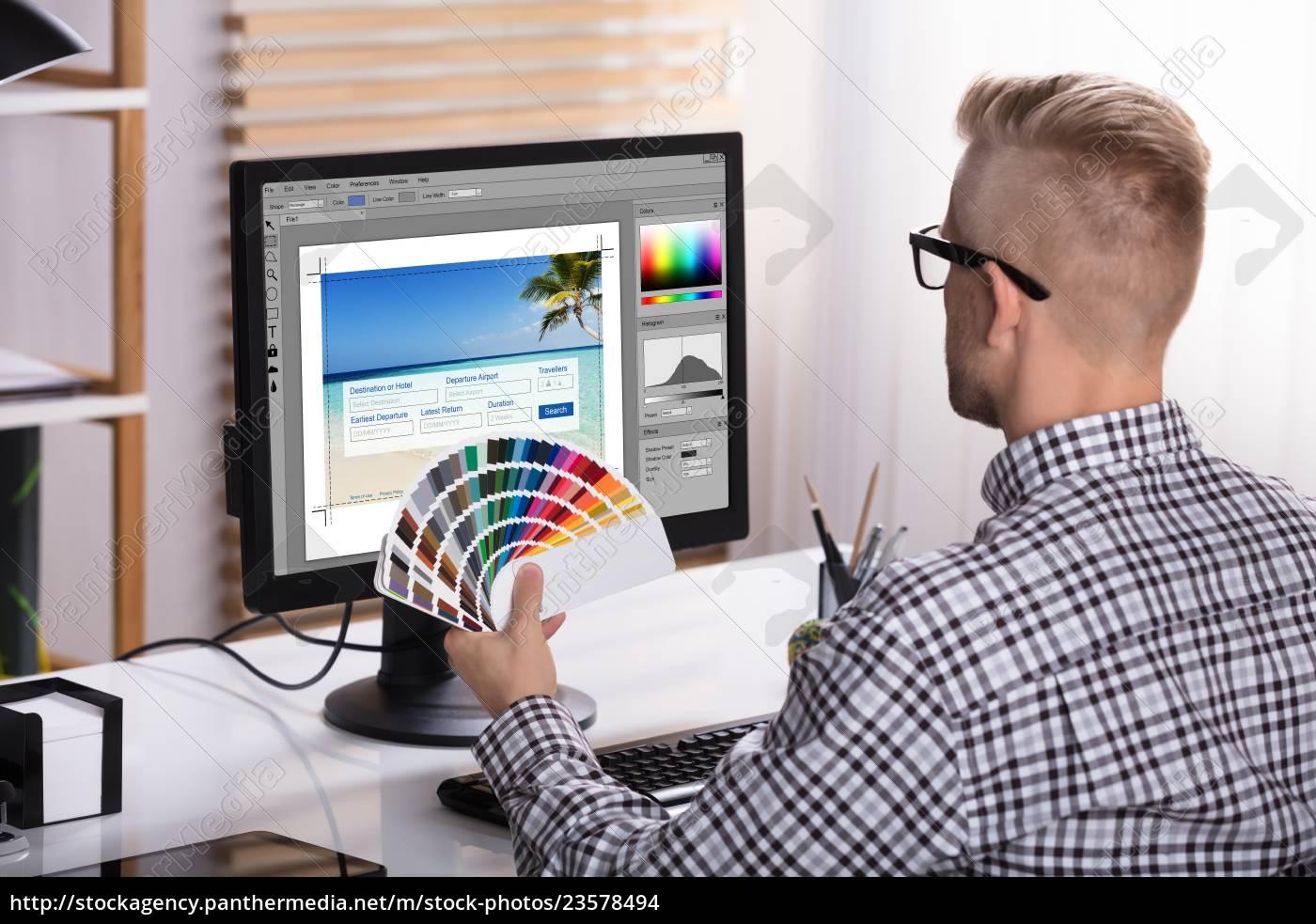 male, designer, using, computer - 23578494