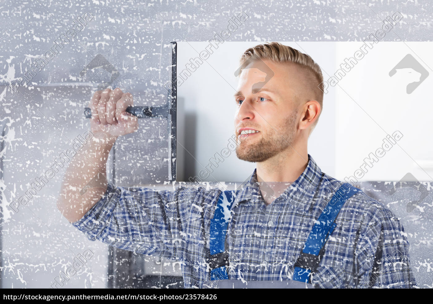 worker, cleaning, glass, window, with, squeegee - 23578426