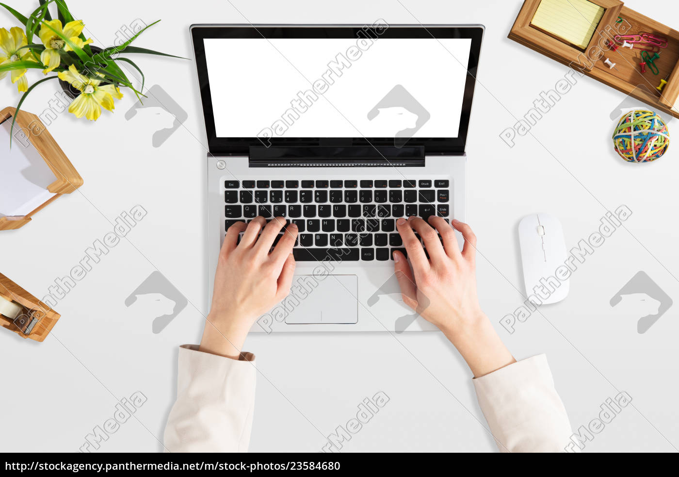 businessperson, using, laptop, with, blank, screen - 23584680