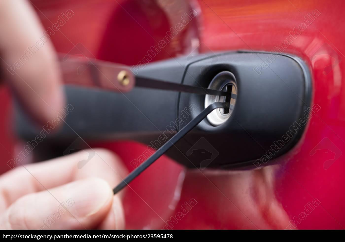 human, hand, opening, car's, door, with - 23595478