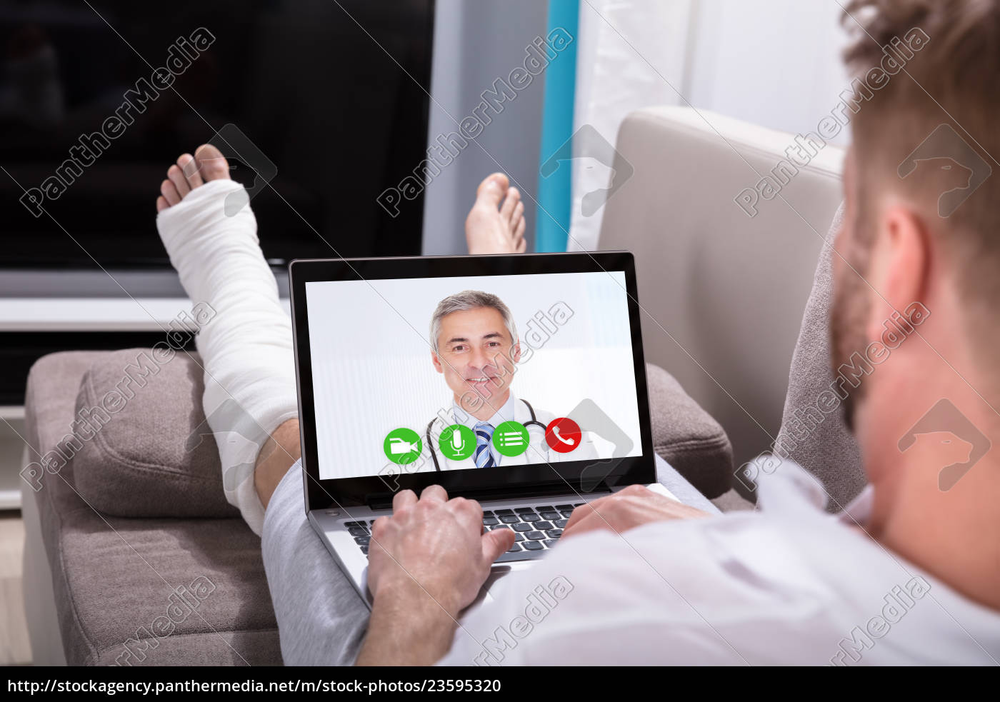 man, video, conferencing, with, doctor, on - 23595320