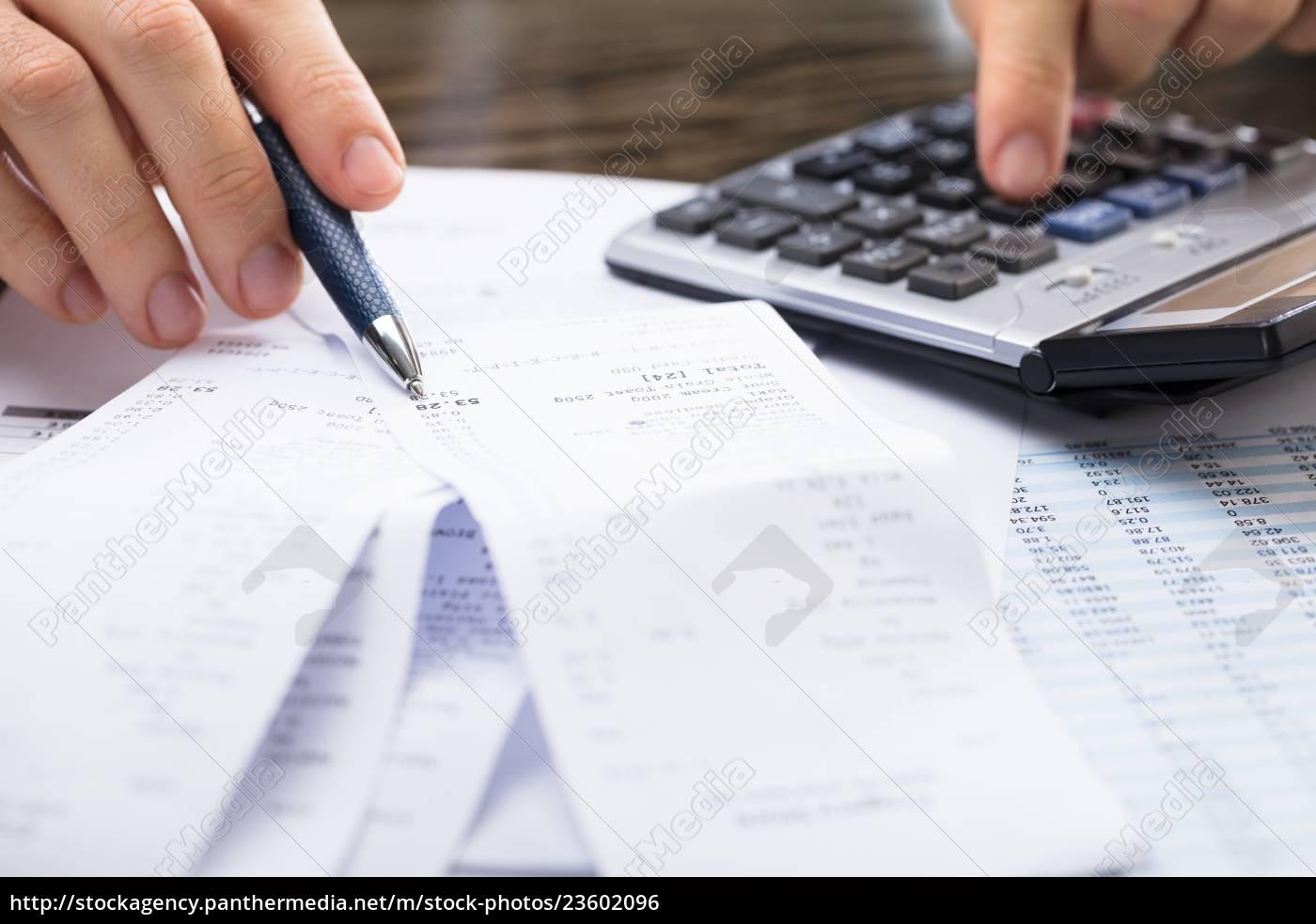 businessperson, calculating, receipt - 23602096