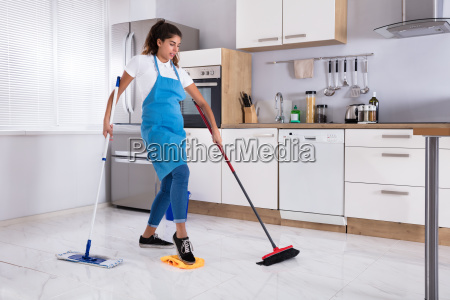 female, janitor, multitasking - 23603678