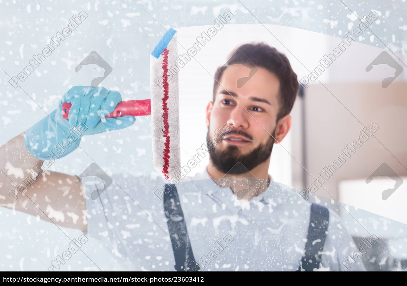 janitor, cleaning, window, with, squeegee - 23603412