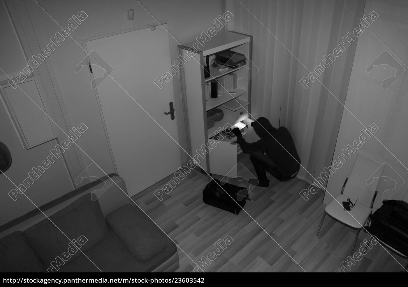 robber, searching, house, for, valuables - 23603542