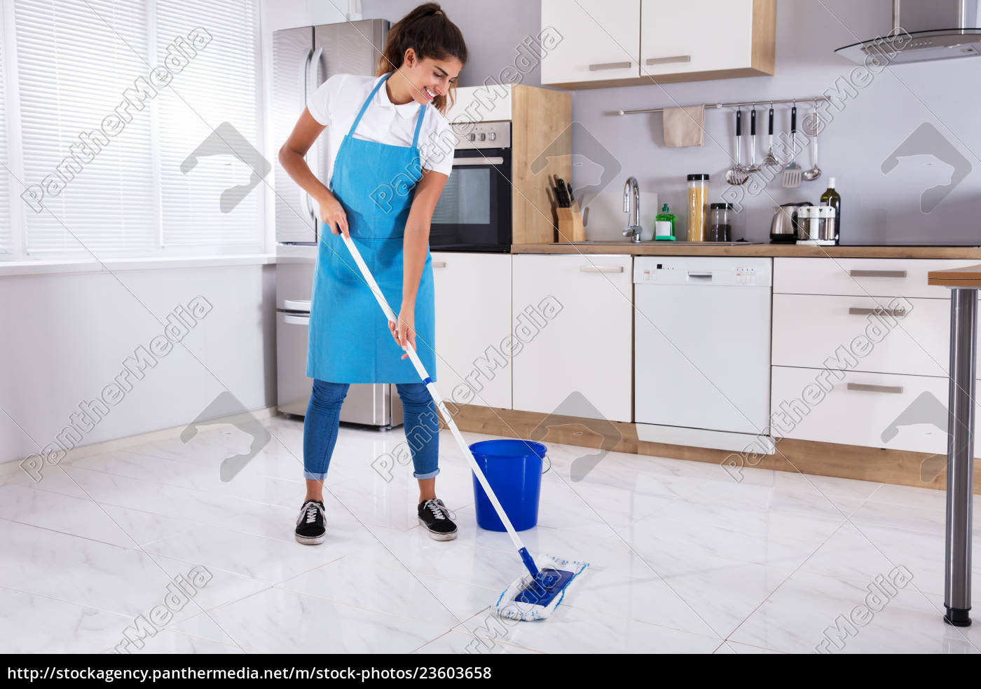 woman, cleaning, floor, with, mop - 23603658