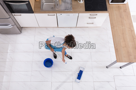 woman, cleaning, floor, with, mop - 23603662